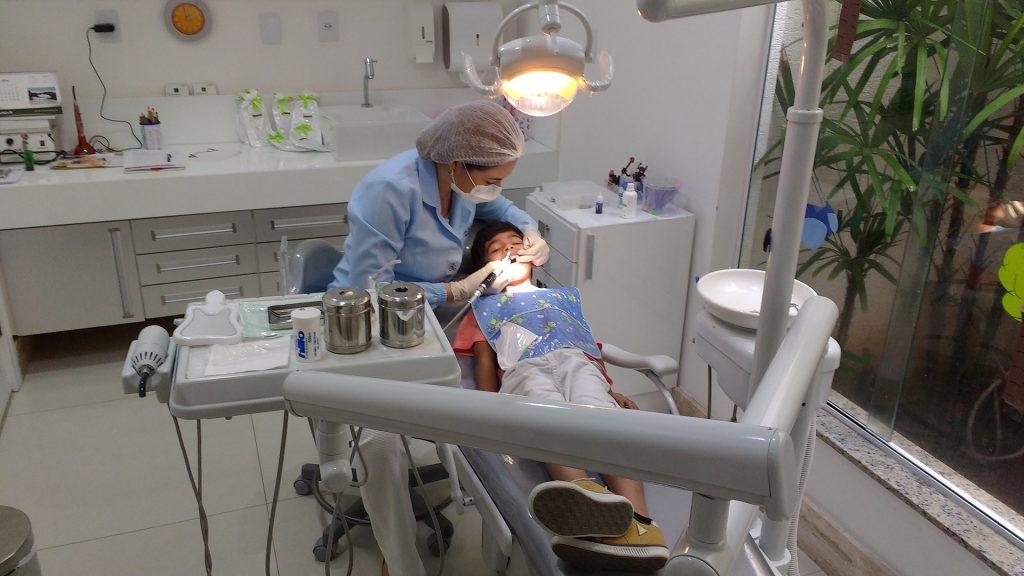 ortodonta z Wrocławia dla dziecka